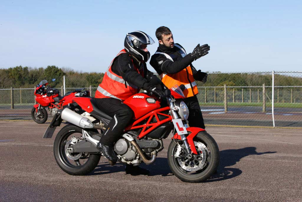 2J9C0180 1024x683 - How much does it cost to get a motorcycle licence?