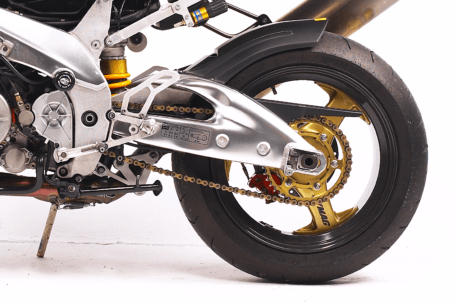 motorcycle chain lube 458x305 - The Best Motorcycle Chain Lube