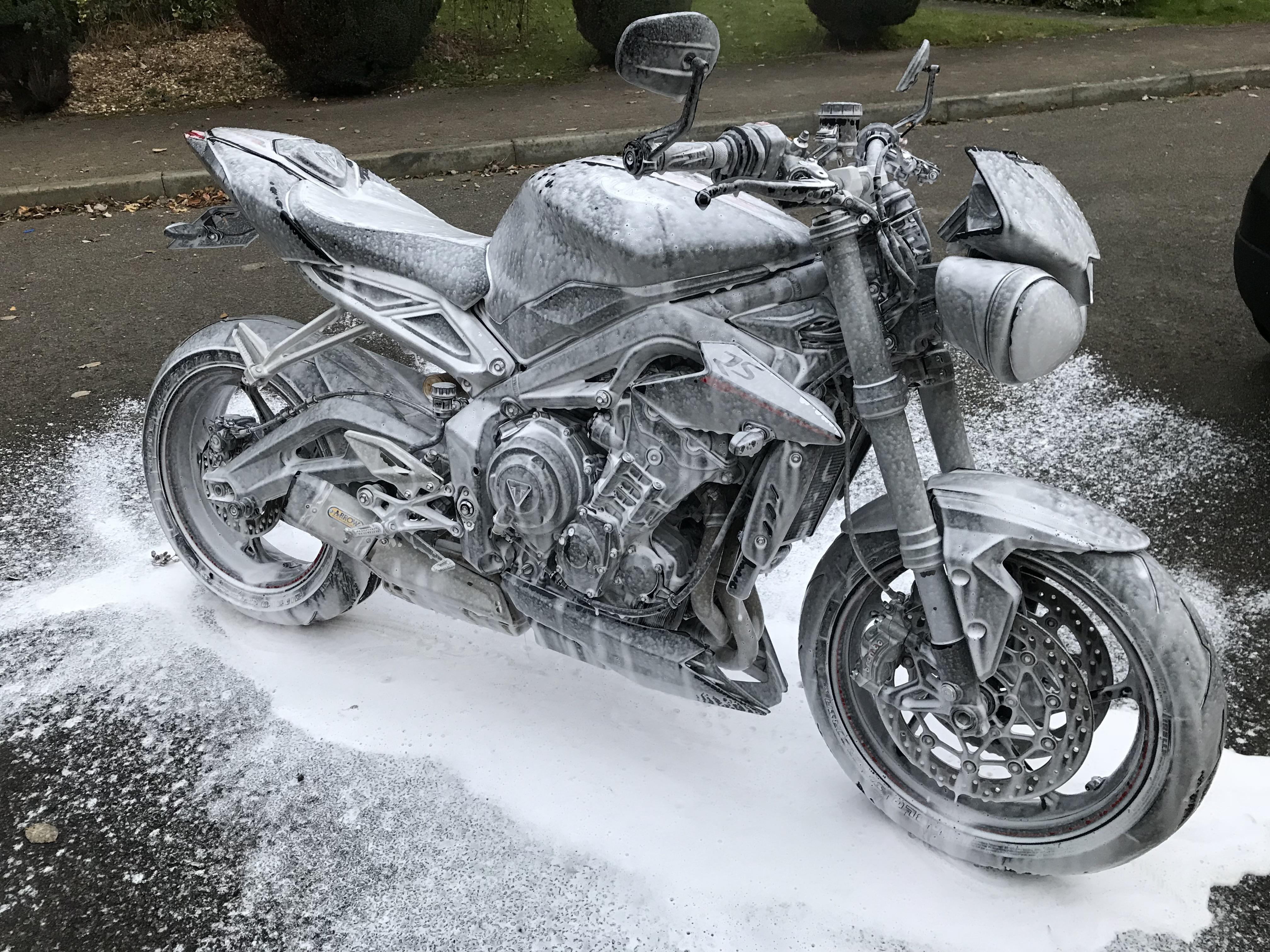 img 1161 - Showcase: Motorcycle Cleaning Brushes