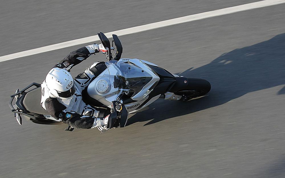 motorcycle helmet fitting guide - The Best Motorcycle Helmets