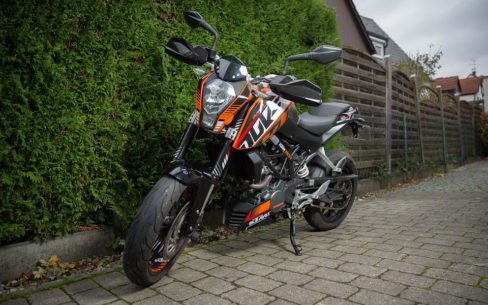 ktm duke 125 best 125 motorbikes 488x305 - Motorcycle CBT: everything you need to know