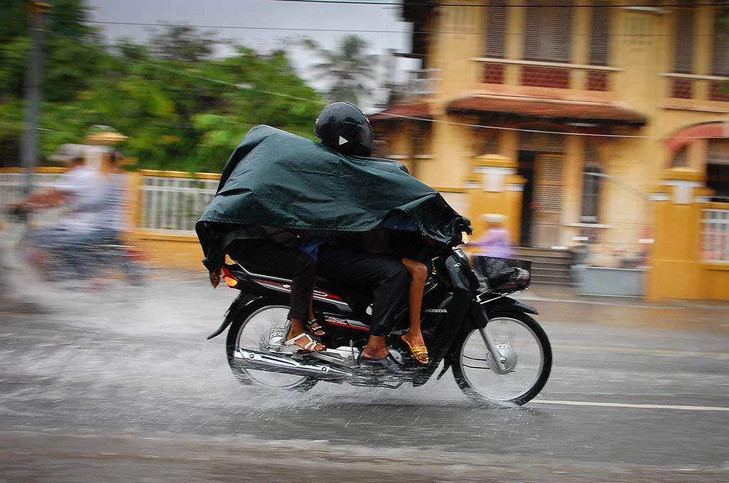 motorcycle rainsuit review 1024x679 - The Best Motorcycle Rainsuits