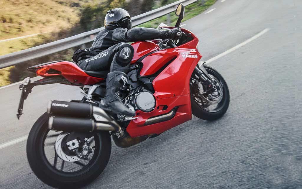 best motorcycle bum bags 1024x641 - Showcase: Top Motorcycle Bum Bags
