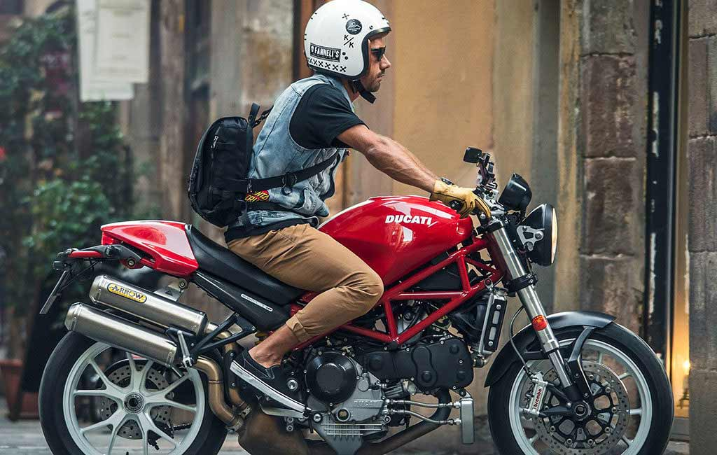 best motorcycle messenger bags review 1024x650 - The Best Motorcycle Messenger Bags