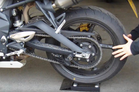 motorcycle rear wheel spinner 458x305 - Showcase: Motorcycle Wheel Spinners