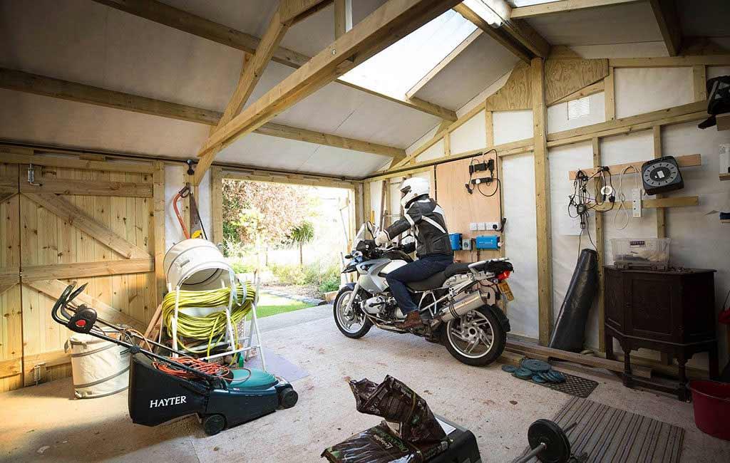 pir alarm garage 1024x650 - The Best Garage Door Defenders