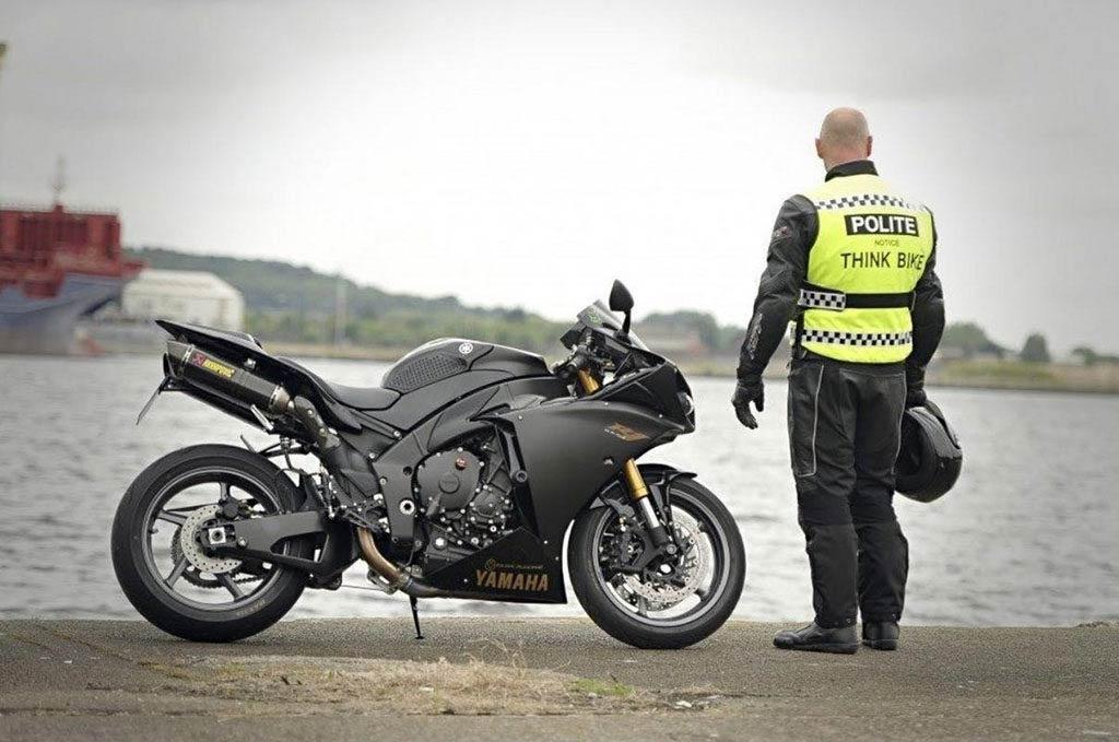 polite vest motorcycle 1024x679 - The Best Motorcycle Hi Viz Vests