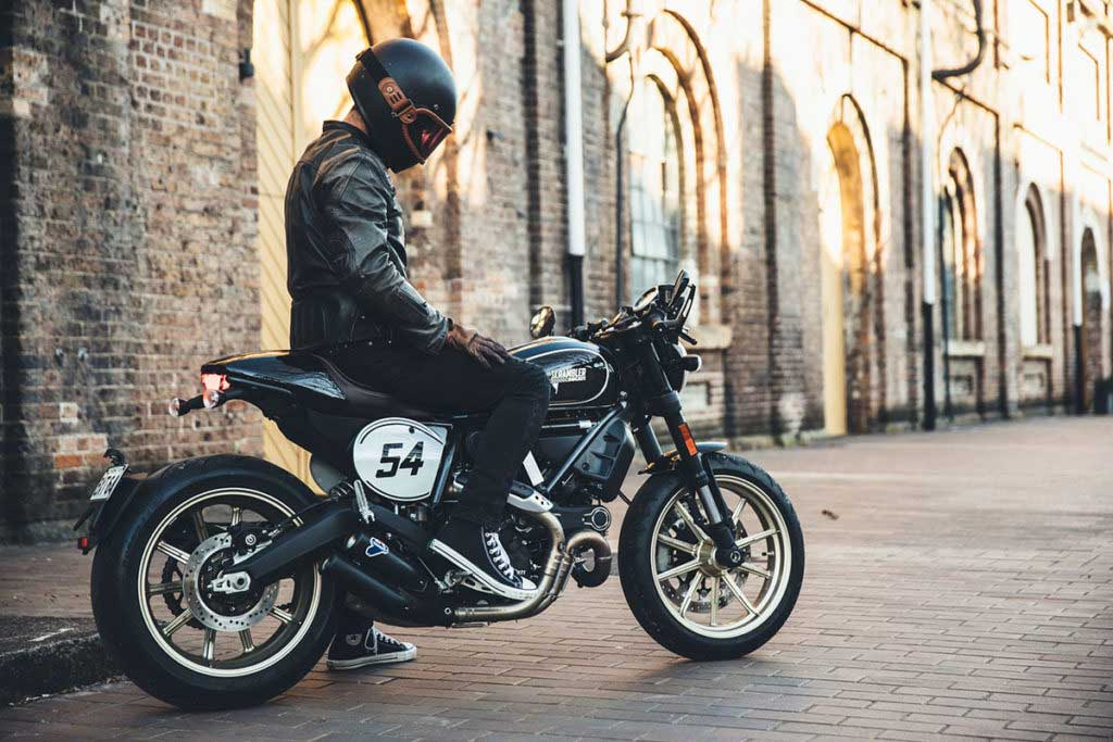 best retro motorcycle jacket 1024x683 - Retro Motorcycle Jackets for Every Budget